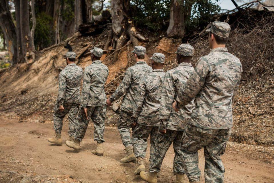 Vêtements pour l'armée